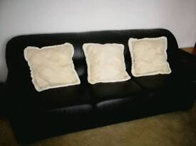 Leather 3 piece sweat with cushions