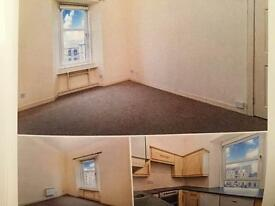 Two bedroom flat for 3 weeks on Byres Road