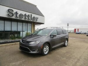 2017 Chrysler Pacifica TOURING-L PLUS SUNROOF! DUAL DVD! NAV!
