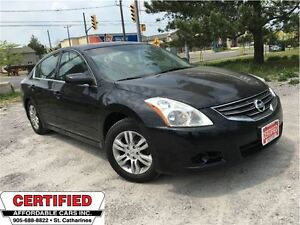 2011 Nissan Altima 2.5 S ** ALLOYS, HTD SEATS, ROOF, AUX. IN  **