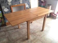 Small oak dining table - excellent condition