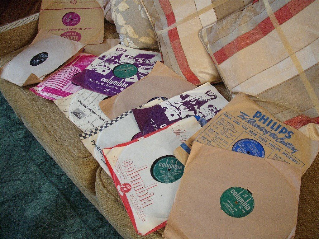 12 Original 78s Records All In Good Conditionin Northampton, Northamptonshire - Hello, I have 12 original 78s records for sale. They are all in good condition with various artists. They all have there original sleeves and I would like £5.00 for the lot please. Thank you for looking at my advert Sandra