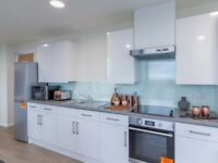 STUDENT FLAT TO RENT IN CARDIFF. EN-SUITE WITH PRIVATE ROOM PRIVATE BATHROOM AND KITCHEN