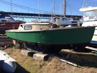 Free 17 foot wooden yacht,project free to good home