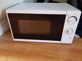 700W Microwave - White