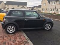 Black Mini One 1.6l (2011 / 61 Plate)