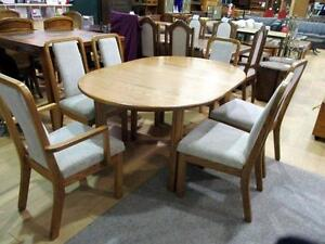Solid Oak Dining Table with 1-Leaf and 6-Chair Set - Used, Excellent Condition -