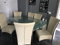 Table with six chairs in a good condition