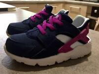 Infant 8.5 Nike Haurache trainers
