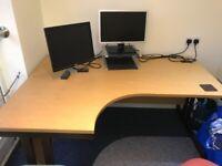 Corner office desk in good condition