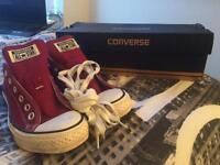 Red Unisex Converse (Size 8)