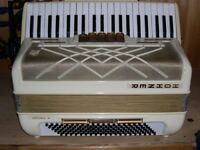Hohner, Virtuola III, (Great Condition), 3 Voice, 120 Bass, Piano Accordion