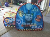 POP UP PLAY TENT WITH DETATCHABLE PLAY TUNNEL - THOMAS THE TANK