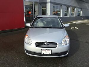 2009 Hyundai Accent 3Dr GL at LOW KMS ! *Auto* ! Great 1ST Car ! Comox / Courtenay / Cumberland Comox Valley Area image 3