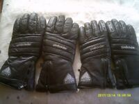 2 X PAIRS OF QUALITY MOTORCYCLE GLOVES