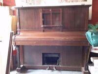 Pianola for renovation needs working on but overall condition quite good, comes with 2 boxes of roll