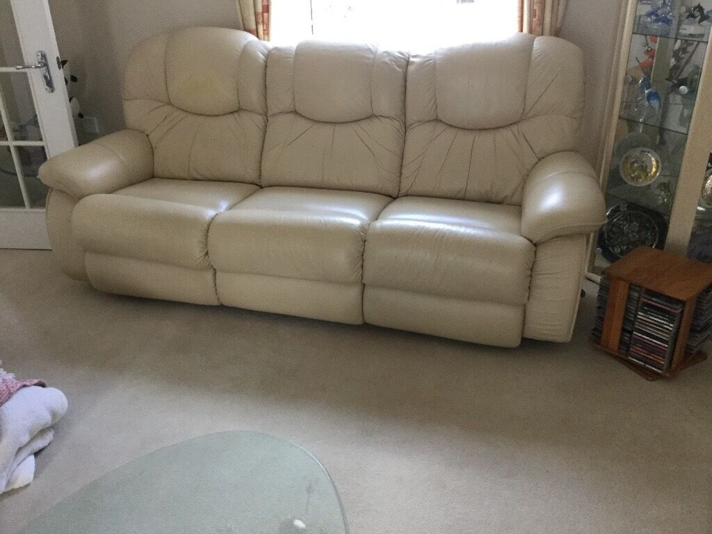 2 lazy boy leather 3 seater. Sofa's
