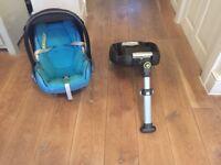Maxi-cosi car seat & isofix base. Plus accessories