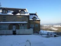 Newly redecorated one bed flat in Rodley next to beautiful countryside and great views!
