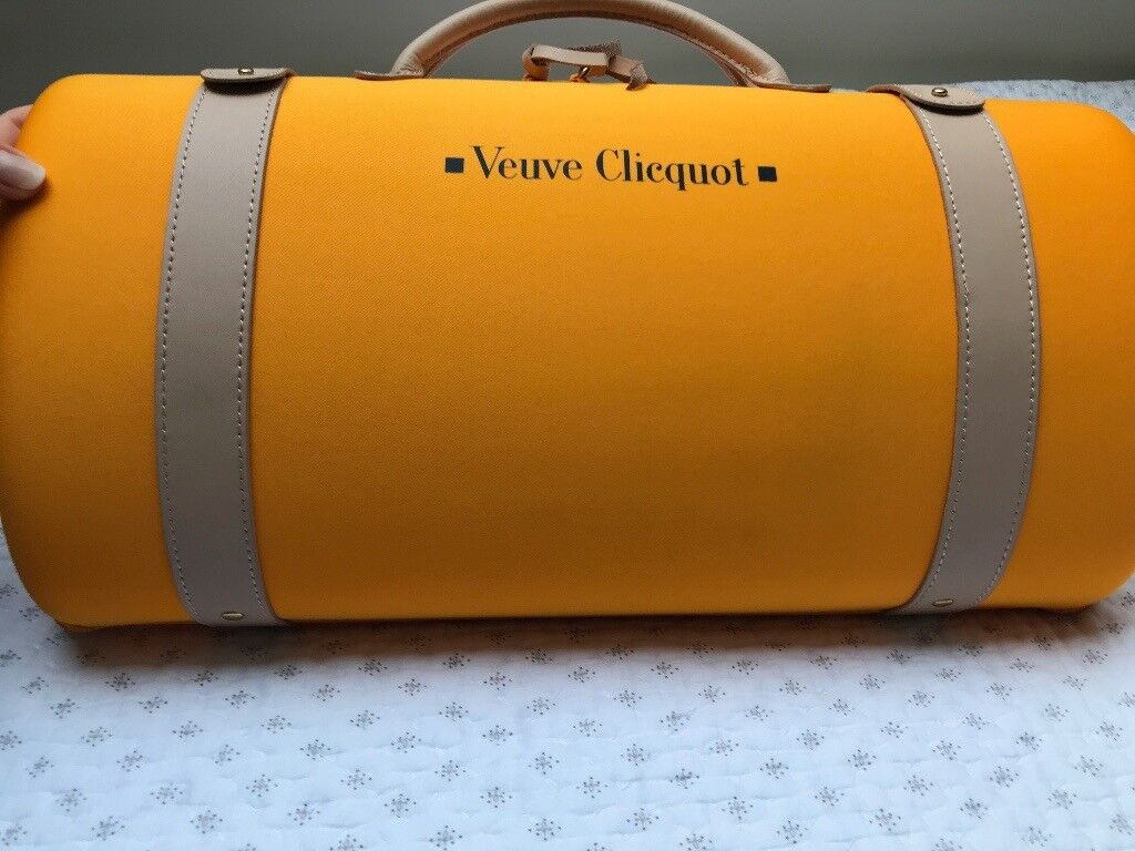 Veuve Clicquot Champagne Case With 2 Glasses Brand New In Chertsey Surrey Gumtree