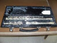 ARMSTRONG FLUTE WITH CASE