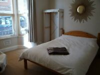 Light, airy double, Mon-Fri let, all bills incl.
