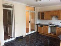 Lovely 4/5 Bed room House in Byron Avenue East Ham E12 6NJ Rent £1995 par dss ok