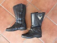 Ladies size 5 motorcycle boots. Frank Thomas. Excellent condition.