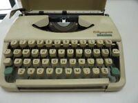 Olympic Splendid 33 Typewriter