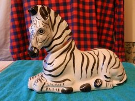 ONE EMPTY BALLANTINES WHISKY ZEBRA DECANTER 1970 --- EXCELLENT CONDITION.