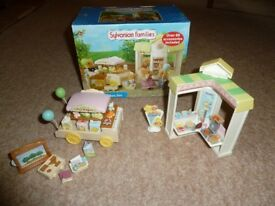 Sylvanian Families Street Market set & Toy Maker set