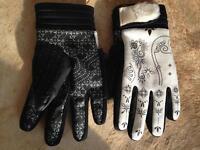 snowboarding gloves M