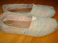 Chaussures TOMS 7