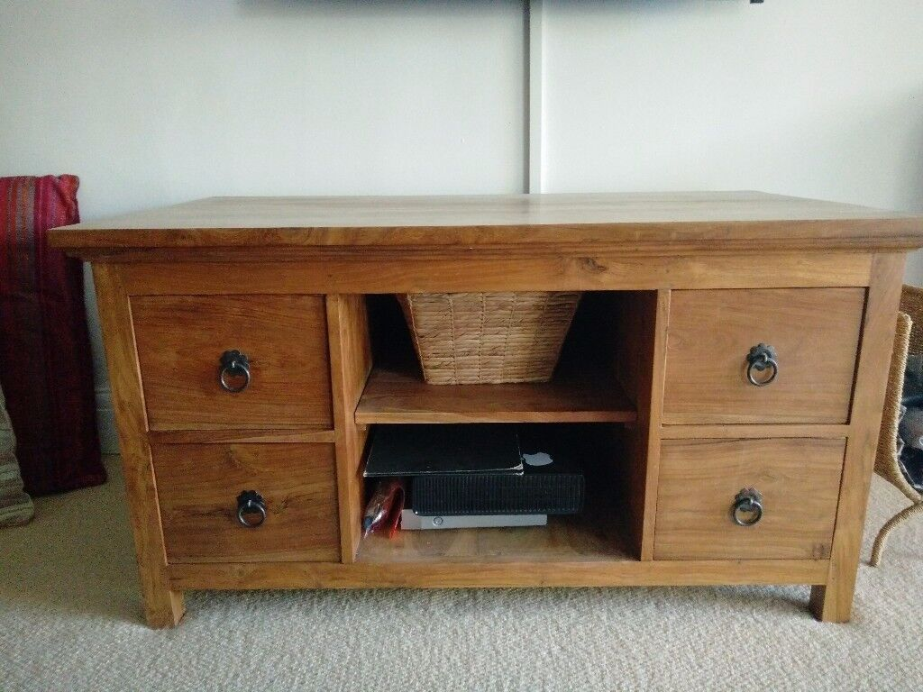 Indian solid wood TV cabinet. Excellent condition.