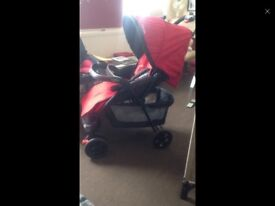 Red obaby travel system