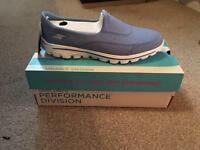 Sketchers Go Walk 2 New size 7