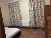 big and clean double room behind brighton train station