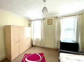 Master bedroom in Walthamstow/ Blackhorse Rd - UC accepted*