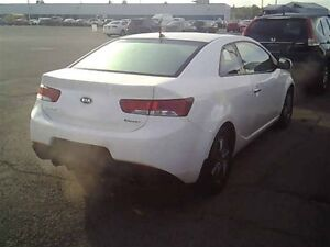 2011 Kia FORTE KOUP 2.0L EX | ROOF | HEATED SEATS | ONE OWNER London Ontario image 2