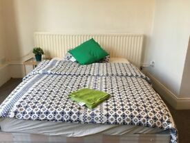 *MINS WALK TO GATESHEAD TOWN CENTRE* Large Double Quality Furnished Room £90pw
