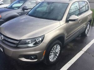 2016 Volkswagen Tiguan Special Edition (A6) Very Low KM's!!