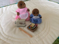 Sylvanian Families Sewing with Mother (Mole) set
