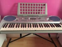 YAMAHA ELECTRONIC KEYBOARD WİTH STAND FOR SALE ONLY £130!!!