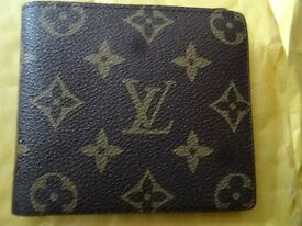 Louis Vuitton womens wallet New condition