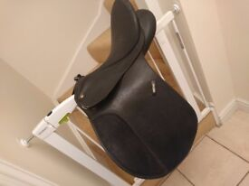 """16.5"""" Wintec Saddle - Wide with Cair system"""