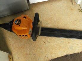 mc culloch petrol hedge trimmer hardly used