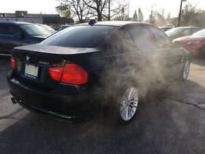 2011 BMW 3 Series **SALE PENDING**SALE PENDING** Kitchener / Waterloo Kitchener Area image 7