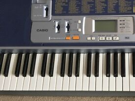 Casio LK110 Electronic keyboard including Songbook