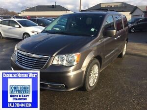 2015 Chrysler Town & Country Touring   Heated Leather   Sunroof