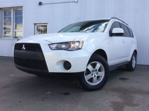 2010 Mitsubishi Outlander ES, AWD, HEATED SEATS, BLUETOOTH.